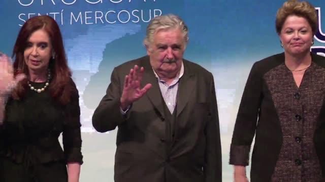 el presidente saliente de uruguay jose mujica critico la posicion argentina respecto a la integracion regional y resalto la importancia de que brasil... - liderazgo stock videos and b-roll footage