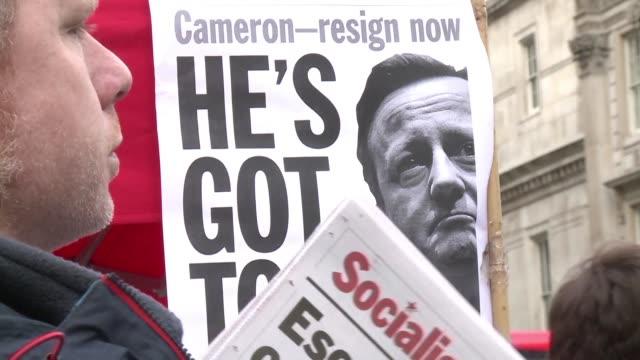 stockvideo's en b-roll-footage met el primer ministro britanico reconocio que no habia gestionado adecuadamente la informacion revelada por los panama papers sobre su participacion en... - padre