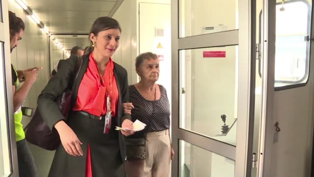 El principal aeropuerto de Rio de Janeiro Tom Jobim cambio su nombre el miercoles para conmemorar el Dia Internacional de la Mujer por diez jornadas...