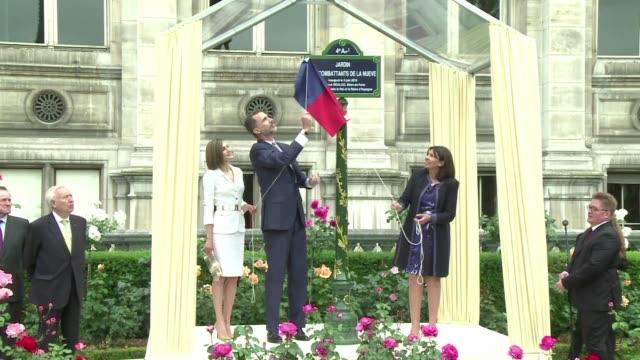 El rey Felipe VI de Espana inauguro en Paris una placa conmemorativa a los soldados de la La Nueve la primera compania en llegar para liberar Paris...