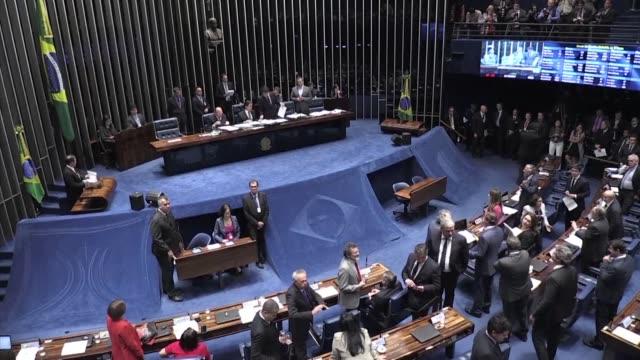 el senado brasileno suavizo el martes las exigencias para uber y devolvio a la camara de diputados un proyecto de ley que segun los directivos de la... - transporte bildbanksvideor och videomaterial från bakom kulisserna