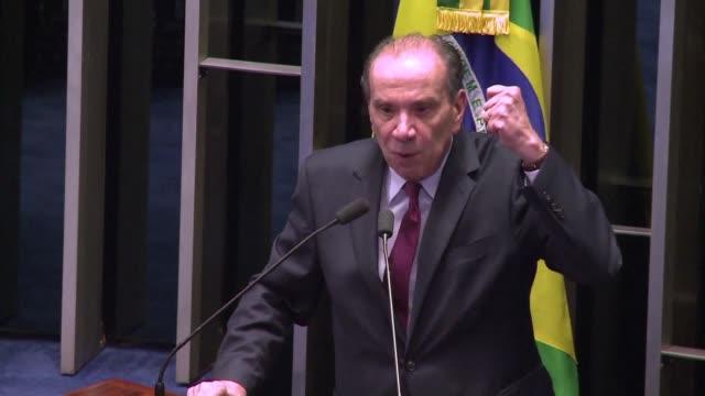 el senador aloysio nunes vinculado a grupos de guerrilla urbana y refugiado en francia durante el regimen militar de brasil es el nuevo ministro de... - refugiado stock videos & royalty-free footage