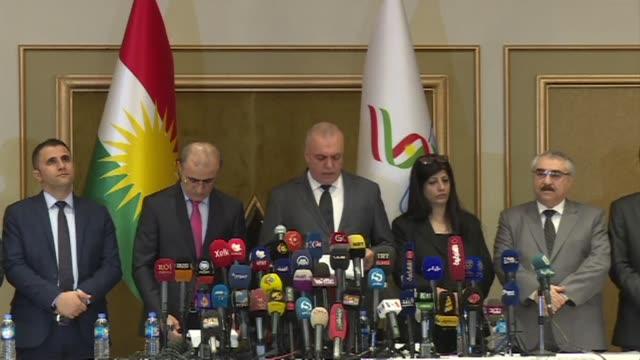 vídeos de stock, filmes e b-roll de el si a la independencia gano con mas de 92% de los votos emitidos en el referendum organizado en el kurdistan iraqui el lunes segun los resultados... - irak