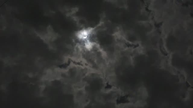 El sur y centro de Africa presenciaron un eclipse anular el jueves que permitio ver el fenomeno conocido por los astronomos como anillo de fuego