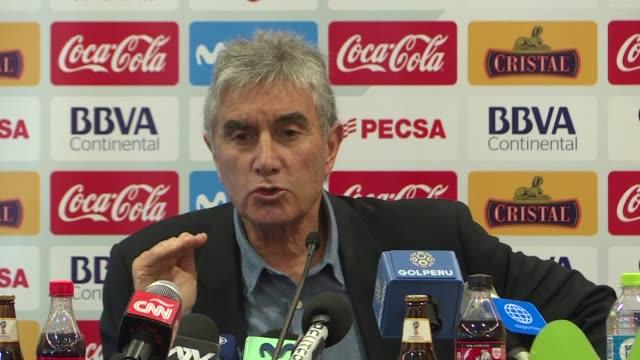 El tecnico argentino Ricardo Gareca llegara a Lima el jueves para decidir si renueva su contrato con la seleccion de Peru en medio del escandalo que...