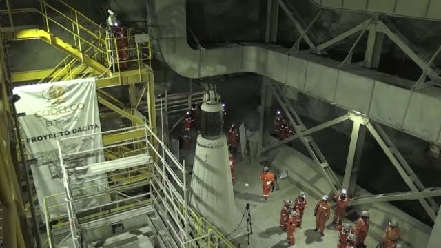 El Teniente la mina chilena de cobre subterranea mas grande del mundo en plena cordillera de los Andes y con 4500 km de tuneles sigue agrandandose...