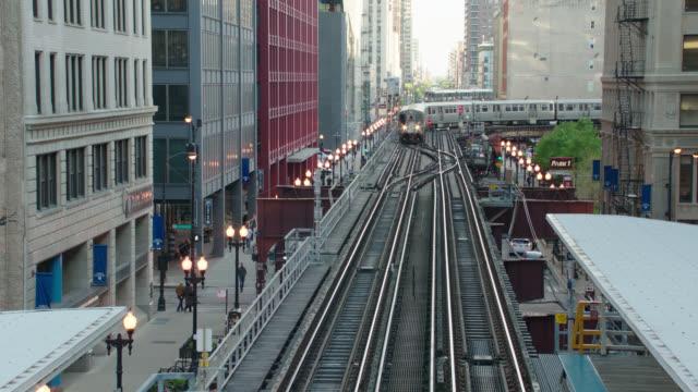 2 - el trains toward camera, chicago, il - chicago 'l' stock videos & royalty-free footage