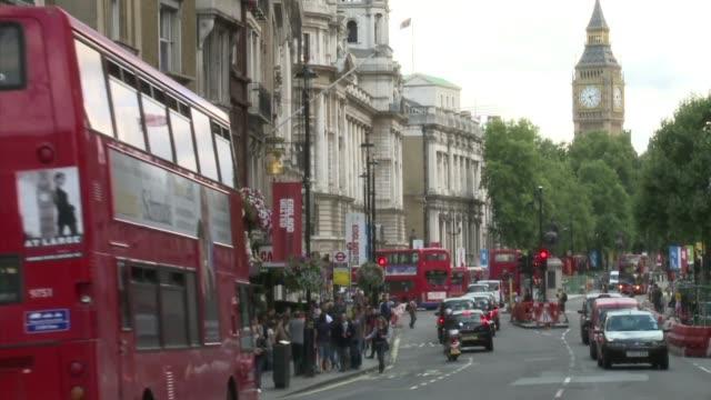 stockvideo's en b-roll-footage met el transporte sigue siendo el talón de aquiles de los juegos olimpicos de londres. voiced: transporte: reto de londres 2012 on july 03, 2012 in london - transporte