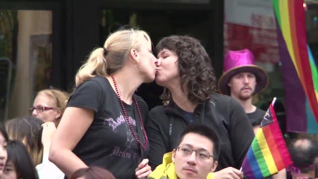 El Tribunal Supremo de Australia anulo este jueves la autorizacion del matrimonio homosexual en la capital del pais Canberra subrayando que es el...