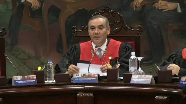 vídeos y material grabado en eventos de stock de el tribunal supremo de justicia venezolano llamo el miercoles a estados unidos a abandonar sus constantes arremetidas contra las instituciones... - ee.uu