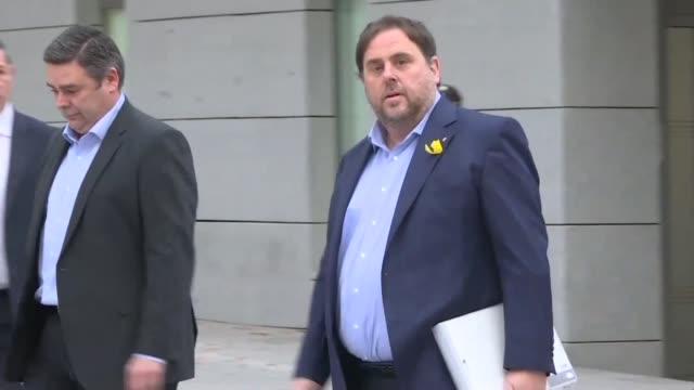 vídeos y material grabado en eventos de stock de el tribunal supremo espanol decidio el lunes que el exvicepresidente catalan oriol junqueras y otros tres líderes independentistas se mantengan en... - libertad condicional