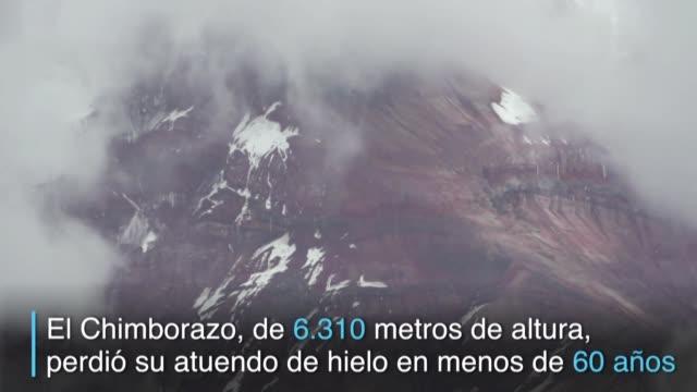 el volcan nevado chimborazo de 6.310 metros de altura ya no tiene su imponente atuendo de hielo - agua stock videos & royalty-free footage