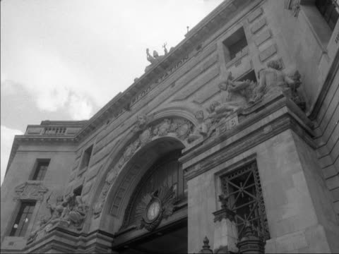elaborate stone carvings decorate the entrance to waterloo station - intricacy stock videos & royalty-free footage