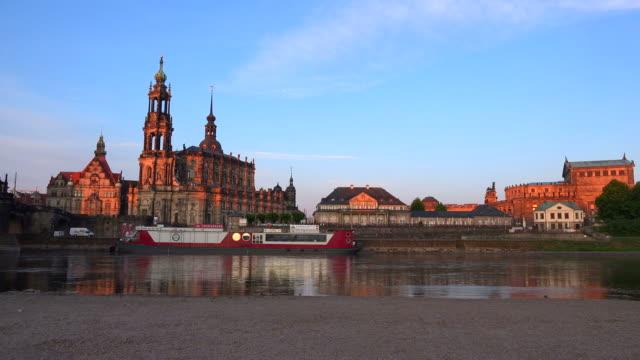 elbe river with dresden cathedral, dresden castle and semper opera, dresden saxony, sachsen germany, deutschland - sachsen stock-videos und b-roll-filmmaterial