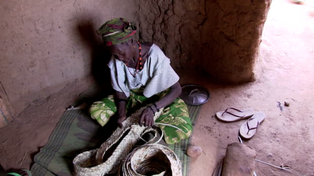 Elderly woman who produces baskets Niger Agadez