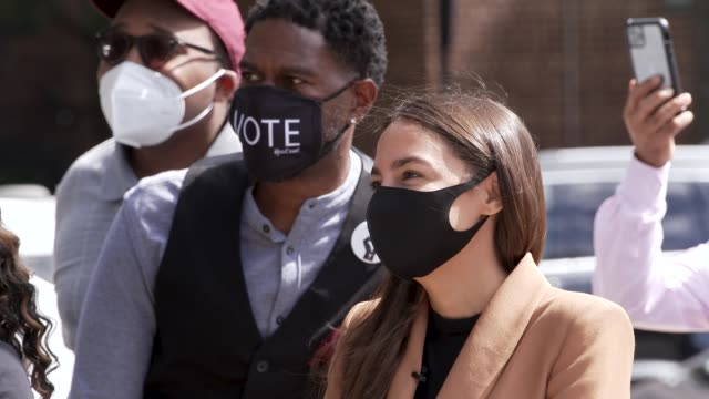 elected officials and community leaders gather to push back against voter suppression from partisan bronx board of elections commissioner. per the... - demokratie stock-videos und b-roll-filmmaterial