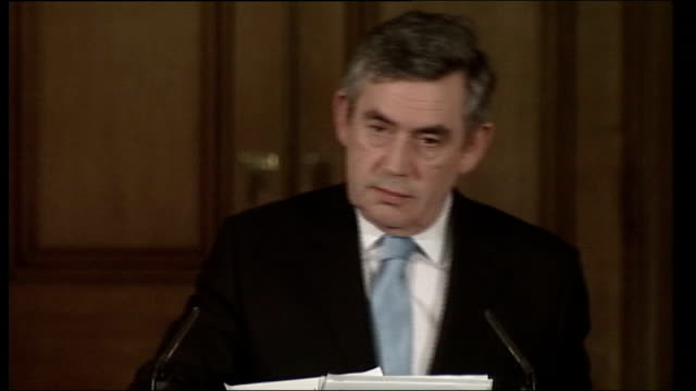 election decision not based on polls says gordon brown; downing street: no.10: int gordon brown into press conference and asking for questions q... - gordon brown stock-videos und b-roll-filmmaterial