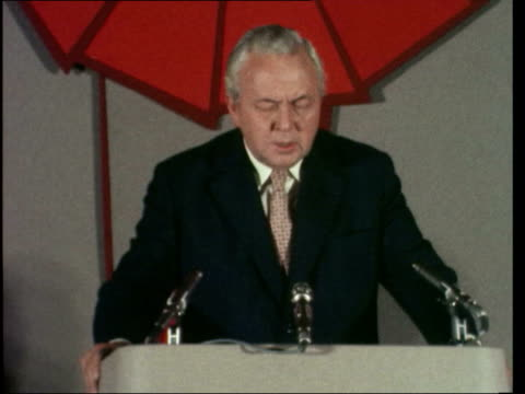 harold wilson speech and walkabout england peterborough ms harold wilson on platform sof it has become increasinglyzoom inknow it wellingborough ms... - harold wilson stock-videos und b-roll-filmmaterial