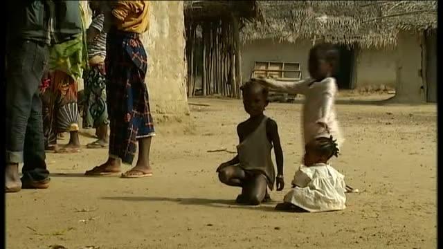 Election violence causes twenty thousand refugees to flee to Liberia Village children