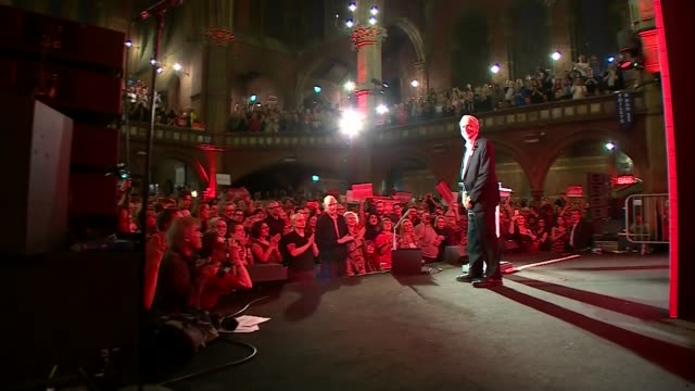 stockvideo's en b-roll-footage met electoral commission to investigate momentum general election spending lib / 762017 london islington union chapel int crowd as final general election... - labor partij