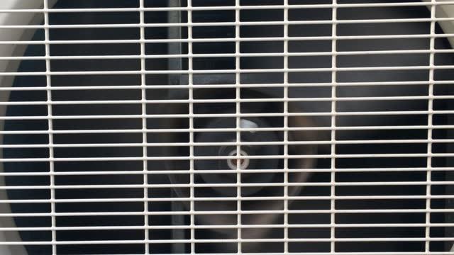 electric air conditioner fan - エアコン点の映像素材/bロール