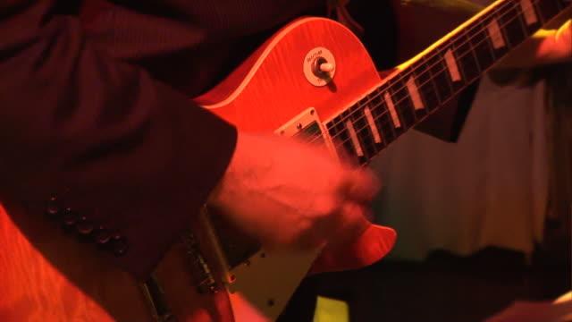 Guitarra elétrica 2-HD & PAL