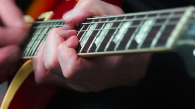 stockvideo's en b-roll-footage met electric guitar solo close-up - geschwindigkeit