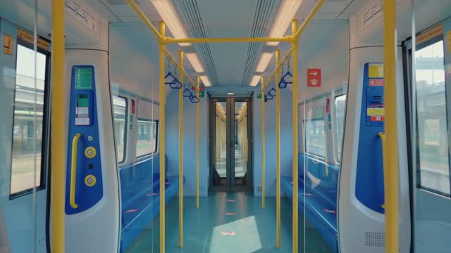 vídeos de stock e filmes b-roll de electric train in area quarantine during virus outbreak. - dentro