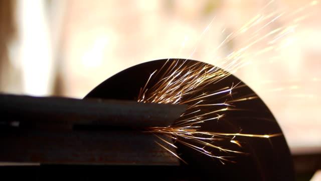 Electric wheel machining iron.