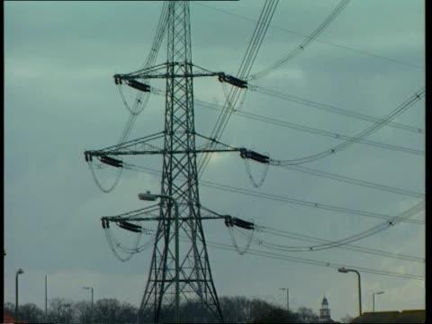 vídeos y material grabado en eventos de stock de electricity pylons link with cancer; cms pylon pylon houses - eslabón