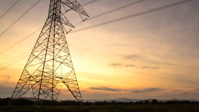 stockvideo's en b-roll-footage met elektriciteit pylonen - stroomtransformator