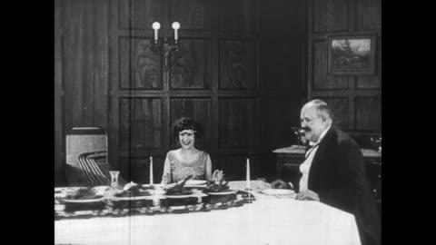 vídeos y material grabado en eventos de stock de 1922 electrified dining room breaks down - cocina doméstica