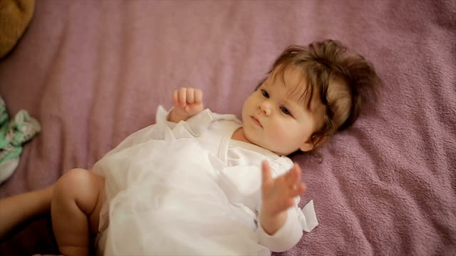 vídeos y material grabado en eventos de stock de blanco de bebé elegante vestido, demasiado lindo - pañal