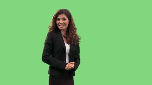stockvideo's en b-roll-footage met hd: elegant businesswoman - redenaar
