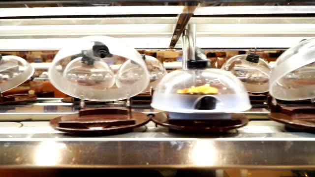 エレガントなお料理をテーブルコンテイナー - サービス点の映像素材/bロール