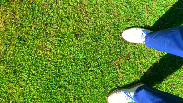 elegant golfer chipping in the ruff grass - golf shoe stock videos & royalty-free footage
