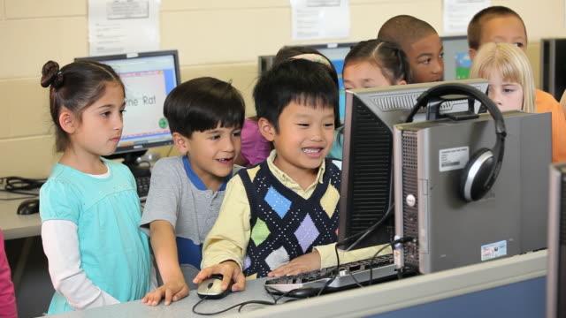 MS Elemenaty School class in computer lab / Richmond, Virginia, United States
