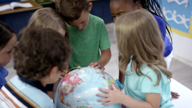 elementary first graders learning geography - physical geography stock videos & royalty-free footage