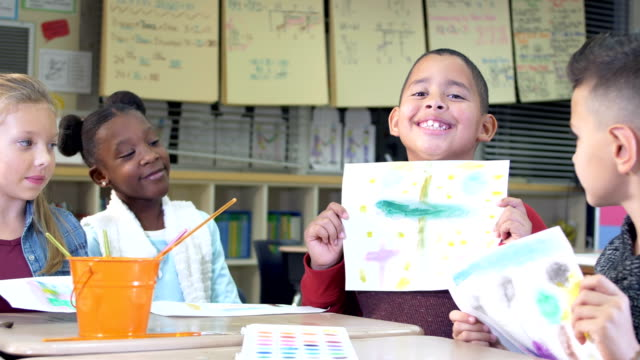elementary students in art class, painting - 8 9 years stock videos & royalty-free footage
