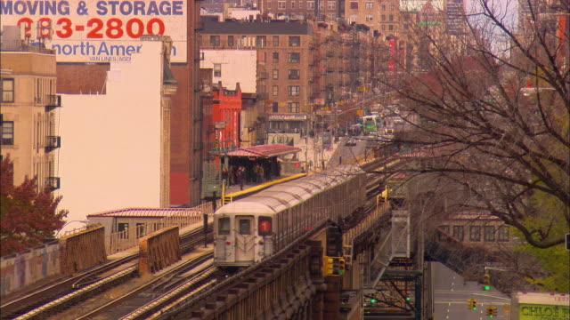 WS, HA, Elevated subway train and station, Manhattan, New York City, New York, USA