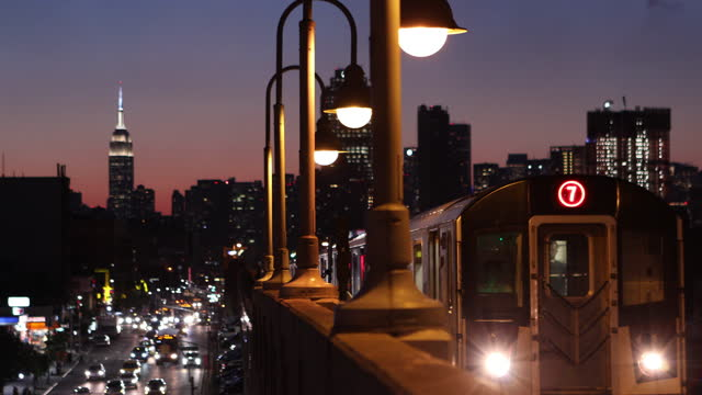 elevated subway train - elevated train stock videos & royalty-free footage