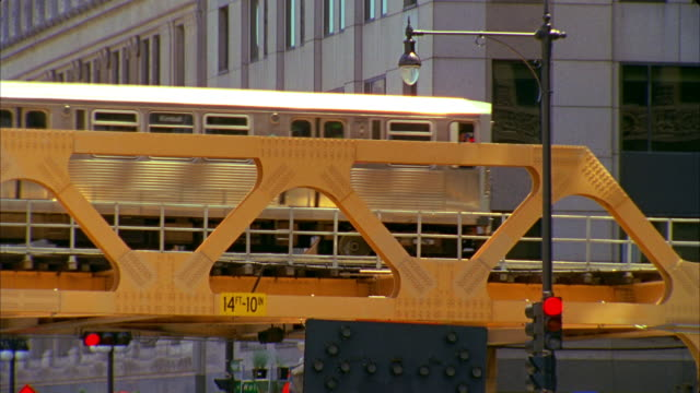 cu, elevated train, chicago, illinois, usa  - elevated train stock videos and b-roll footage