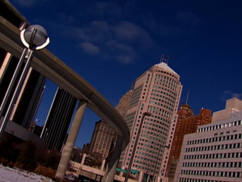 elevated train, detroit people mover - elevated train stock videos & royalty-free footage