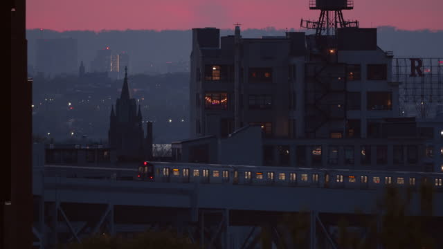 elevated train in brooklyn at sunset. - elevated train stock videos & royalty-free footage