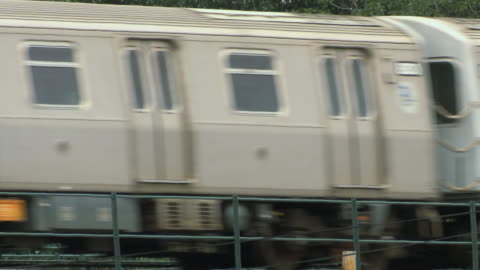 ms elevated train in motion / new york city, usa - elevated train stock videos & royalty-free footage
