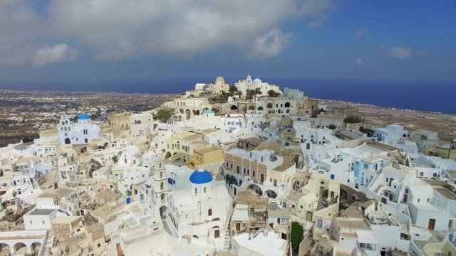 elevated video of pyrgos  town, santorini, greece - insel santorin stock-videos und b-roll-filmmaterial