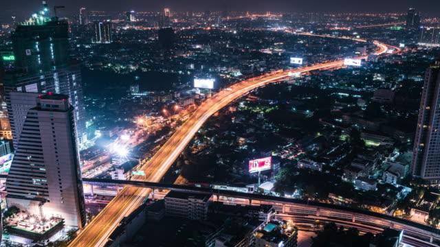 t/l td ws erhöhten blick auf bangkok bei nacht - einschienenbahn stock-videos und b-roll-filmmaterial
