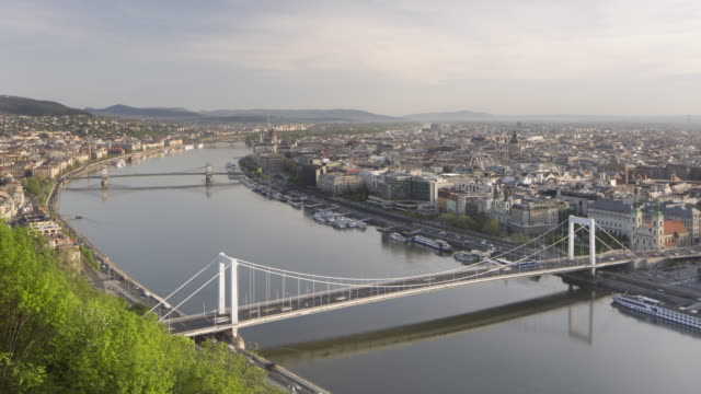 elevated view of budapest from gellert hill. - széchenyi chain bridge stock videos and b-roll footage