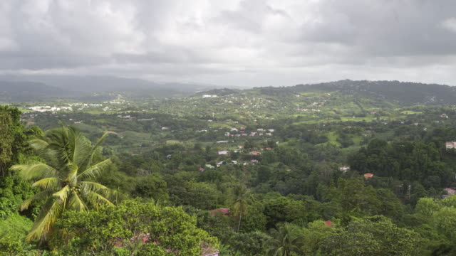 vidéos et rushes de elevated view of the island of martinique. - martinique
