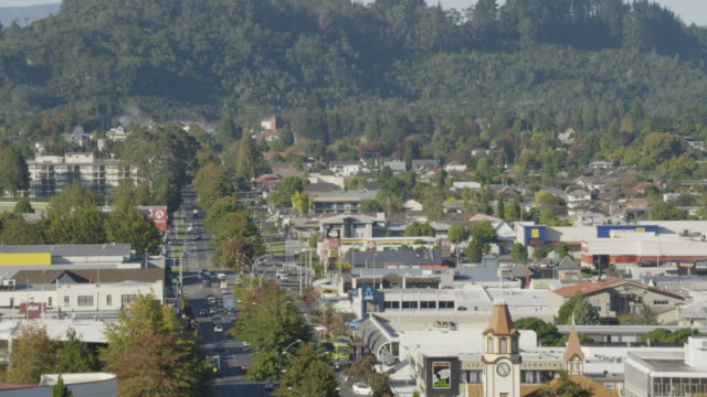 elevating shot of rotorua seen from above the fenton st. - rotorua stock videos and b-roll footage